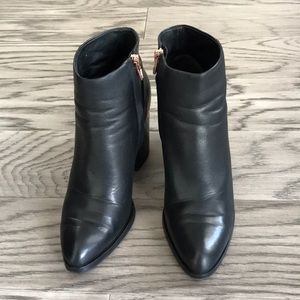 Alexander Wang ankle boots size 37, US7